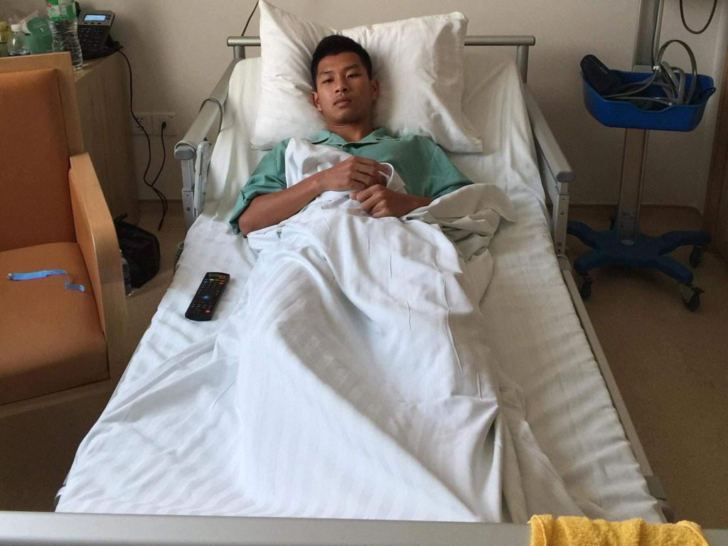 Phạm Trùm Tỉnh nghỉ 6 tuần vì gãy xương sườn  - Bóng Đá