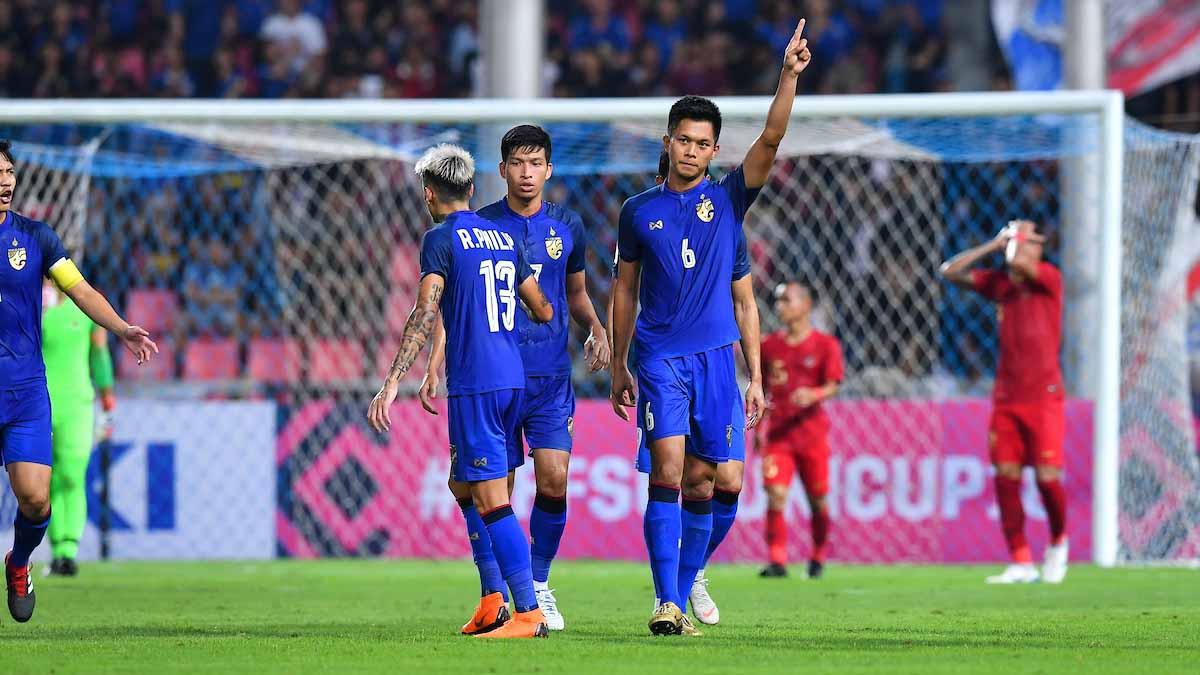Lập siêu phẩm từ chấm phạt góc, hậu vệ Thái Lan ăn mừng như Dybala - Bóng Đá