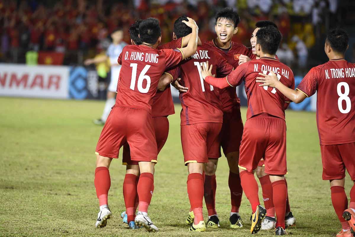Đội tuyển Việt Nam có chiến thắng thuyết phục trước Philippines ở trận bán  kết lượt đi AFF Cup 2018.