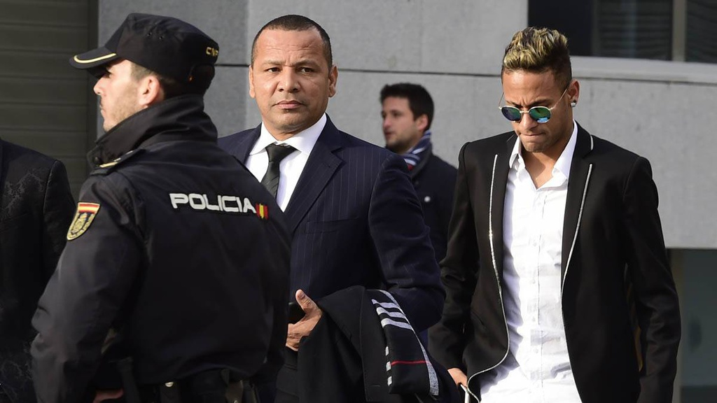 Neymar trả giá vì sự tham lam - Bóng Đá