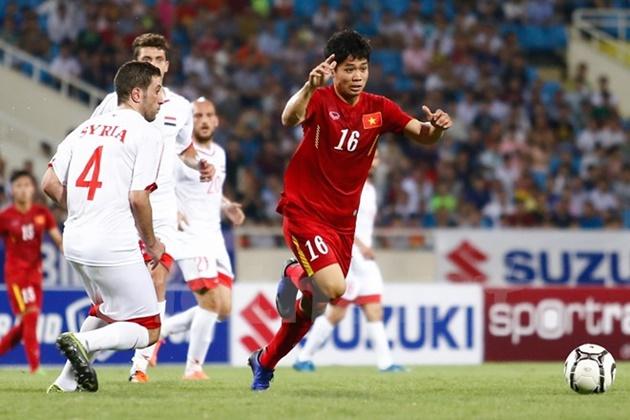 Thủ môn giúp U19 VN cầm hòa UAE từng đá trung vệ