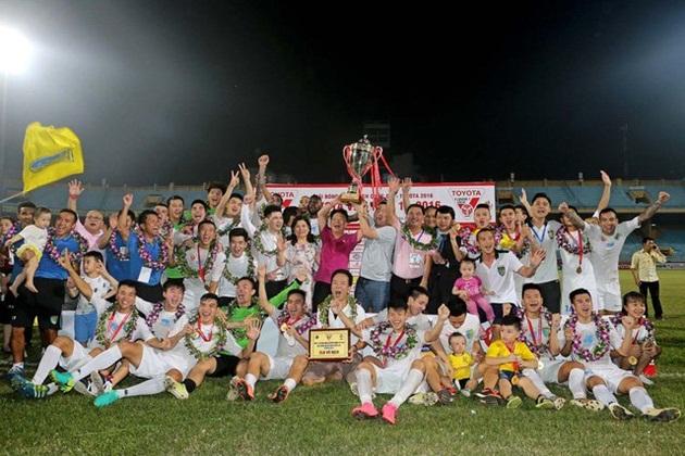 Dự đoán nhà vô địch V-League: Quyền lực nhà bầu Hiển hay sức mạnh thiếu gia xứ Thanh?