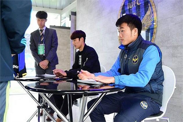 """Đại diện của Incheon United """"trở mặt"""" vụ nhượng Xuân Trường"""