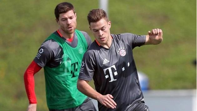"""Kimmich công khai muốn """"chiếm"""" vị trí của Alonso tại Bayern"""