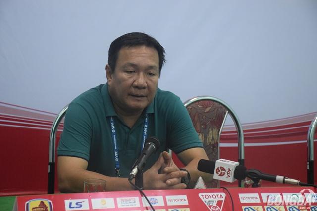 """HLV Hoàng Văn Phúc: """"Nếu Nsi ghi bàn, tình thế đã xấu hơn cho Quảng Nam"""""""