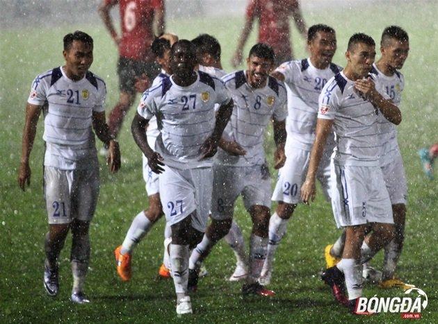 Đội hình tiêu biểu vòng 14 V-League: Bộ ba ngoại binh của CLB TP. HCM rực sáng - Bóng Đá