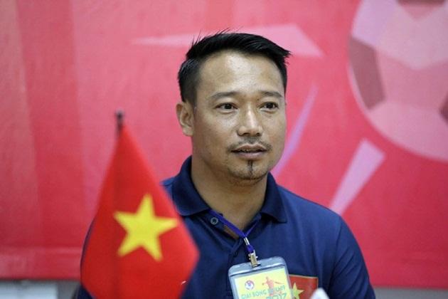HLV Hồng Việt kéo U15 Việt Nam xuống mặt đất - Bóng Đá