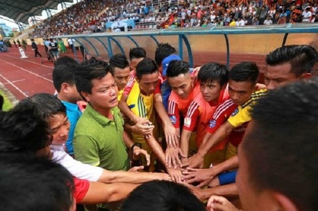 Bóng đá Nam Định đằng sau niềm vui thăng hạng - Bóng Đá