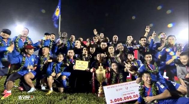 CLB Hà Nội ngã, Quảng Nam lên ngôi: Nói