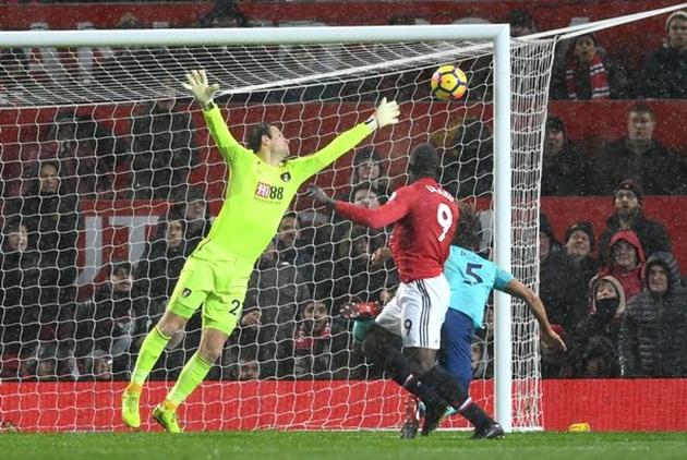 """""""Người đặc biệt"""" lý giải nguyên nhân Man Utd đánh mất thế trận - Bóng Đá"""