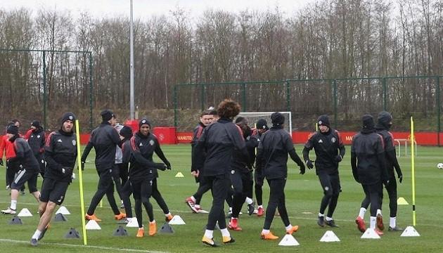 Mourinho ra tay: Tương lai Shaw, Pogba sẽ sáng tỏ - Bóng Đá