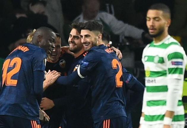 Valencia tạo lợi thế lớn trên sân Celtic Park - Bóng Đá