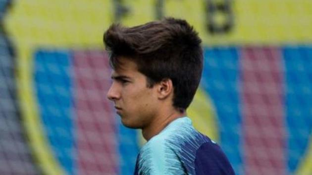 Puig muốn ở lại Barca - Bóng Đá