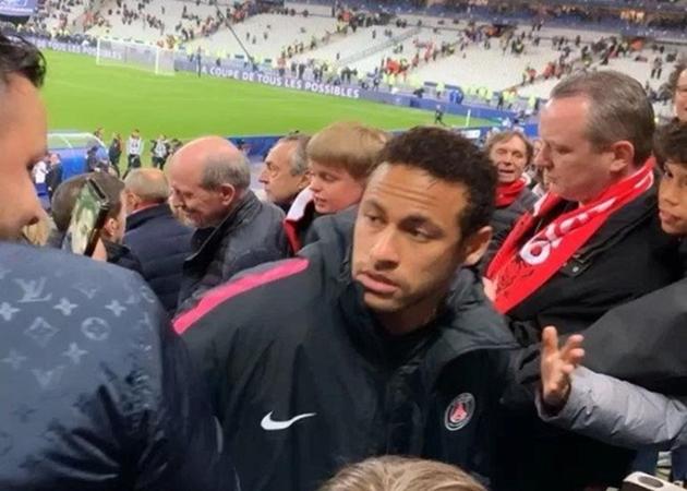 Figo: Neymar sẽ học hỏi từ những sai lầm - Bóng Đá