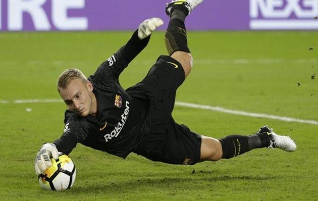 Cilessen có trận đấu cuối cùng trong màu áo Barca - Bóng Đá