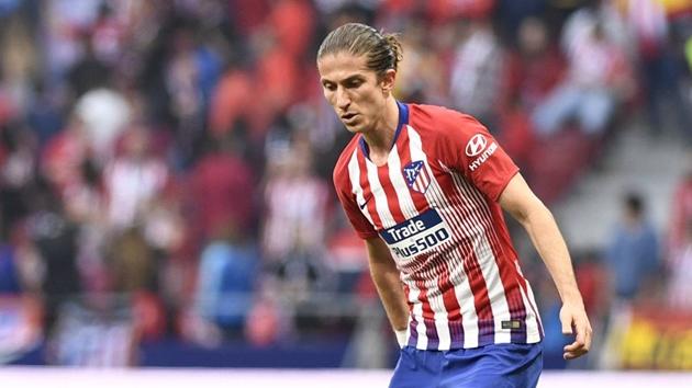 Lyon quan tâm Filipe Luis - Bóng Đá