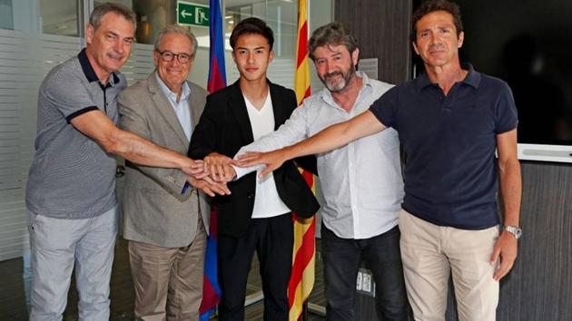 CHÍNH THỨC:  Barca ký hợp đồng với Hiroki Abe - Bóng Đá