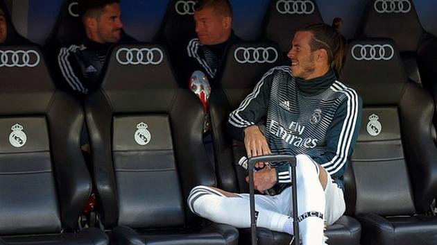 Sunning Trung Quốc  mua Bale - Bóng Đá