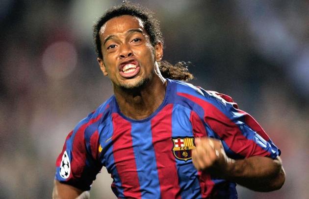 Ronaldinho bị tịch thu hộ chiếu - Bóng Đá