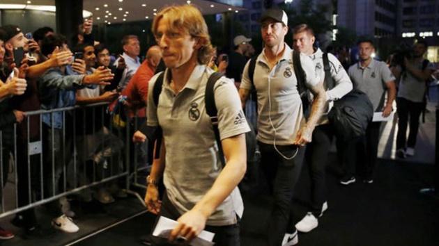 Luka Modric không rời Bernabeu - Bóng Đá