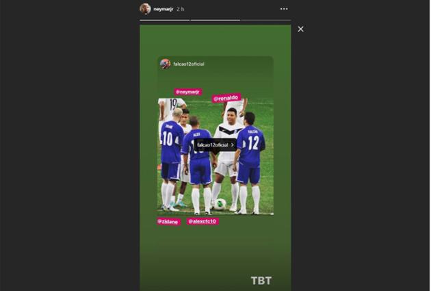 Neymar đã đăng tải bức ảnh trận đấu anh đối đầu với Zidane vào năm 2012.