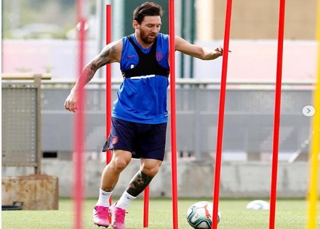 Lionel Messi trở lại luyện tập - Bóng Đá