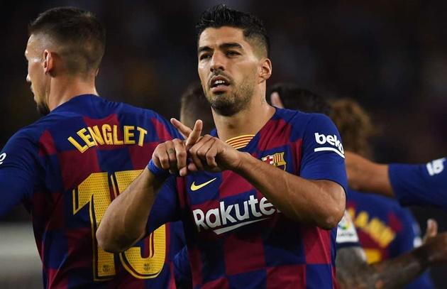 Luis Suarez ghi bàn giống Ronaldinho - Bóng Đá