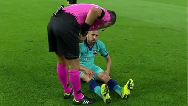 Jordi Alba dính chấn thương đùi - Bóng Đá