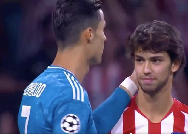 Video: 'Lovely' moment between Cristiano Ronaldo and Joao Felix before Juventus vs Atletico Madrid - Bóng Đá