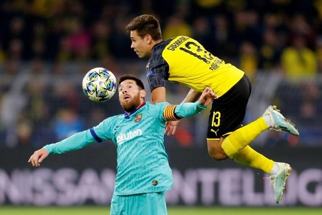 Lionel Messi Debuts 'Messi' Clothing Line in Barcelona - Bóng Đá
