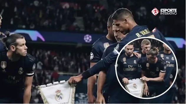 Gareth Bale 'Refused' To Hold The Real Madrid Crest For Team Photo Ahead Of PSG Clash - Bóng Đá