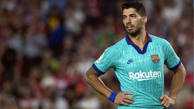 Footage shows Luis Suarez insulting the linesman during Granada defeat - Bóng Đá