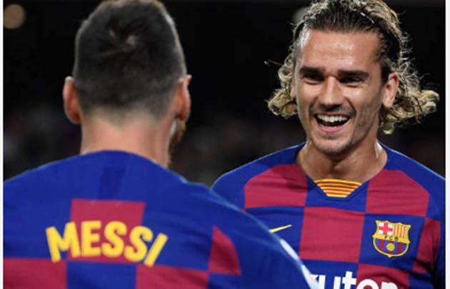 Phản ứng của Messi khi lần đầu kết hợp cùng Griezmann - Bóng Đá