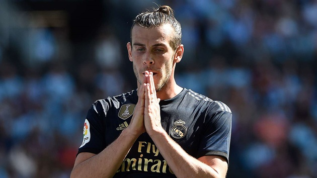 'What the f*ck do you want?' - Berbatov says Bale deserves better treatment at Real Madrid - Bóng Đá