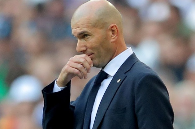 Real Madrid manager Zinedine Zidane reportedly wants his club to sign Chelsea star N'Golo Kante. - Bóng Đá