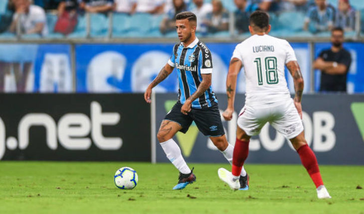 Barcelona are reportedly interested in signing young Brazilian midfielder Matheus Henrique - Bóng Đá