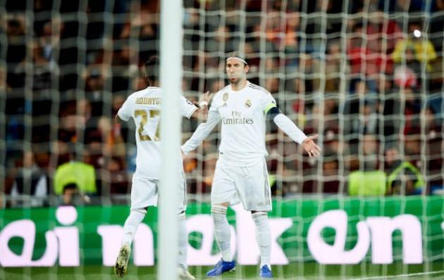 Ramos không nhường penalty, Rodrygo chạy ngay đến làm 1 điều sau bàn thắng - Bóng Đá