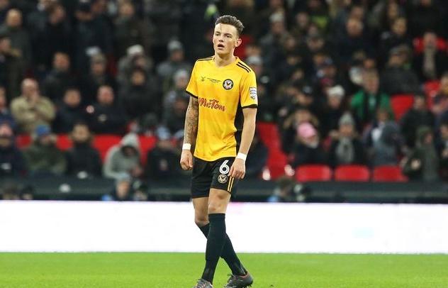 Tăng cường chất thép, Man Utd đưa