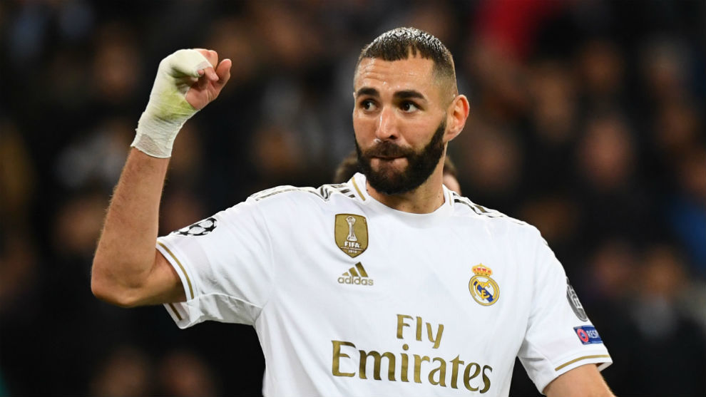 Real Madrid want to renew Benzema's contract - Bóng Đá