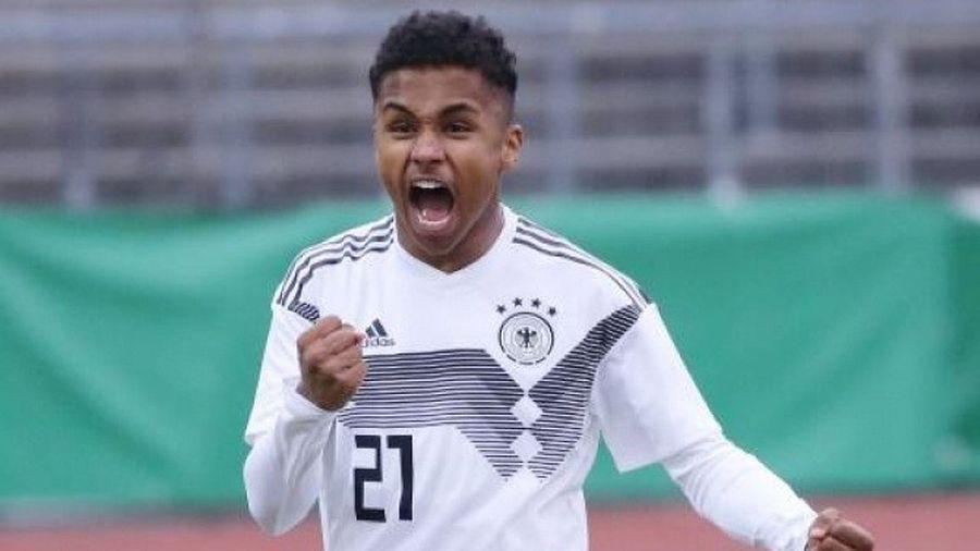 Arsenal and Liverpool have reportedly both set their sights on RB Salzburg youngster Karim Adeyemi - Bóng Đá