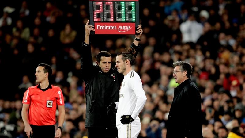 Zidane: I hope Bale isn't whistled for the rest of the season - Bóng Đá