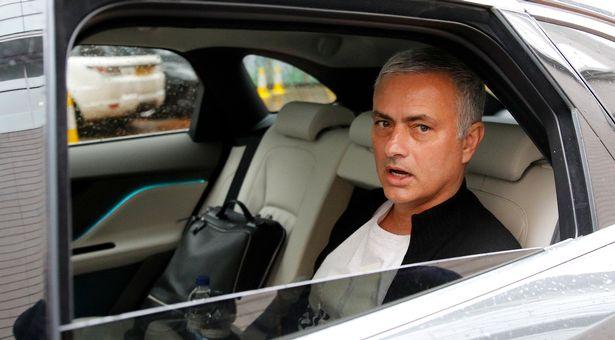 Jose Mourinho ends Tottenham Hotspur interest in Bruno Fernandes - Bóng Đá