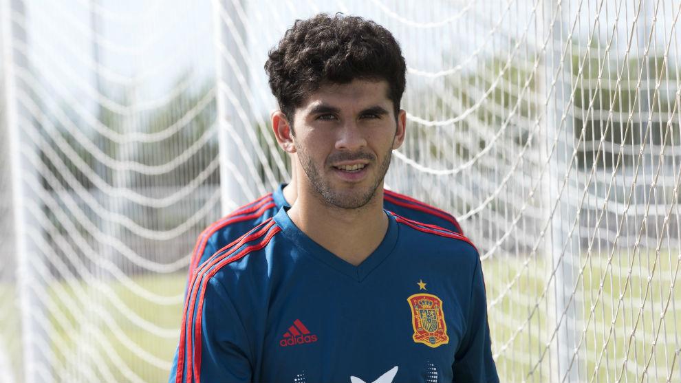 Barcelona's Carles Alena joining Real Betis on loan - Bóng Đá