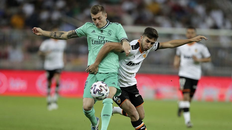Toni Kroos is the first Real Madrid's player to have scored in three different competitions this season  - Bóng Đá