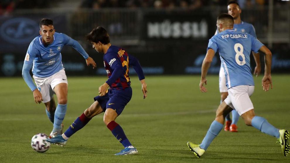 Just three shots on target from Barcelona's 718 passes - Bóng Đá