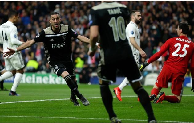 Chelsea track Ajax star Ziyech - Bóng Đá