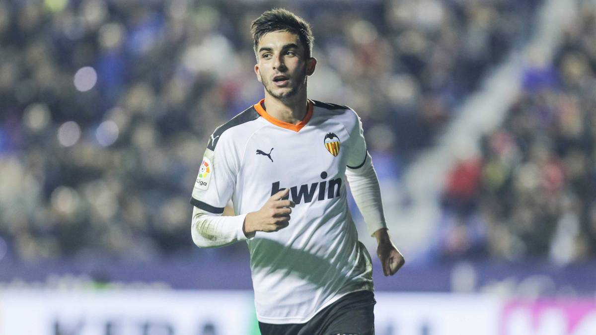 Valencia want to long term Ferran Torres - Bóng Đá