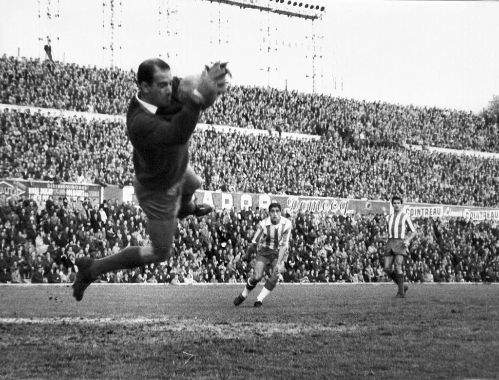 Who is Atletico Madrid's best goalkeeper of all time? - Bóng Đá