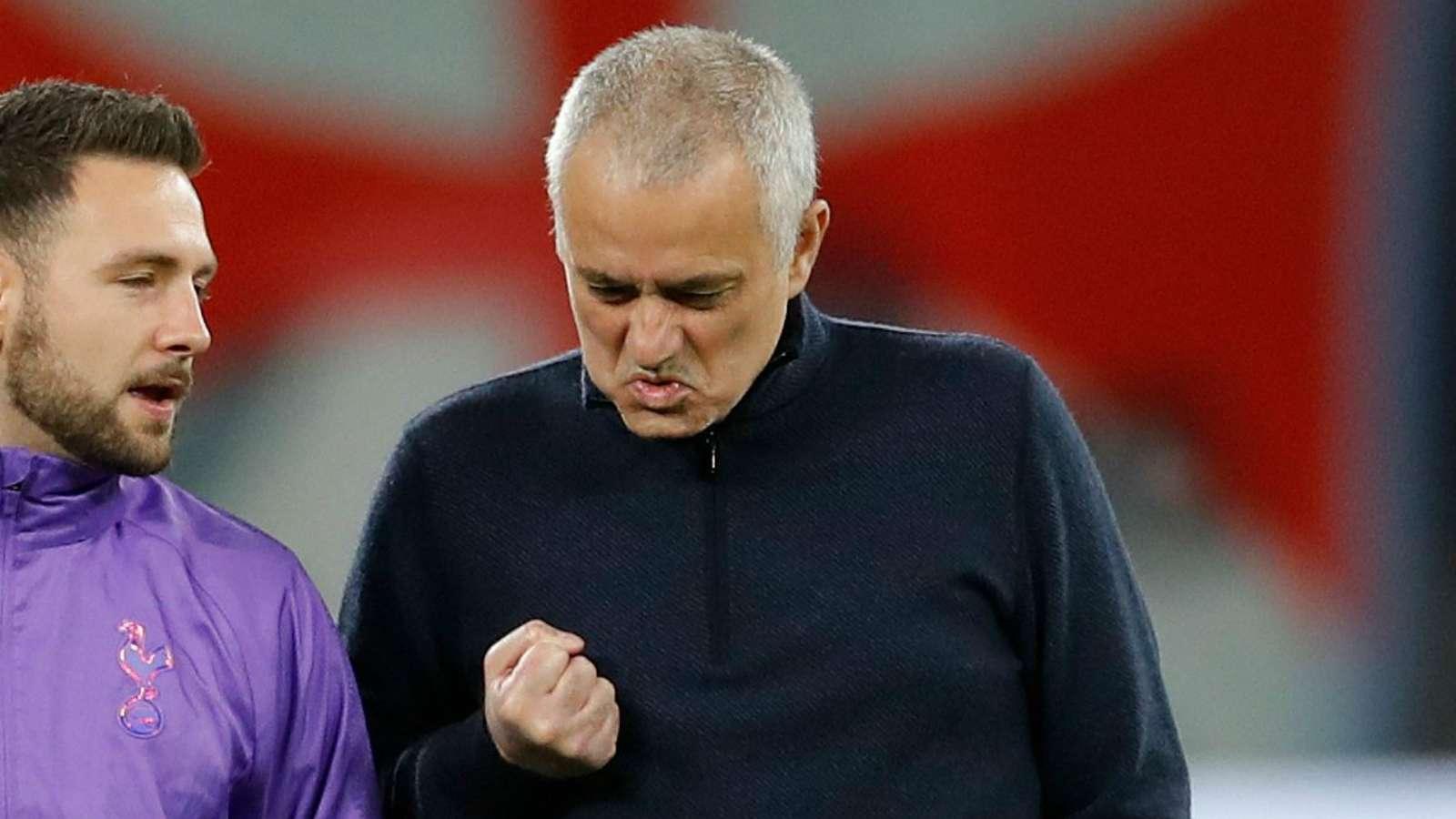 Mourinho to get '£135 million war chest' this summer - Bóng Đá