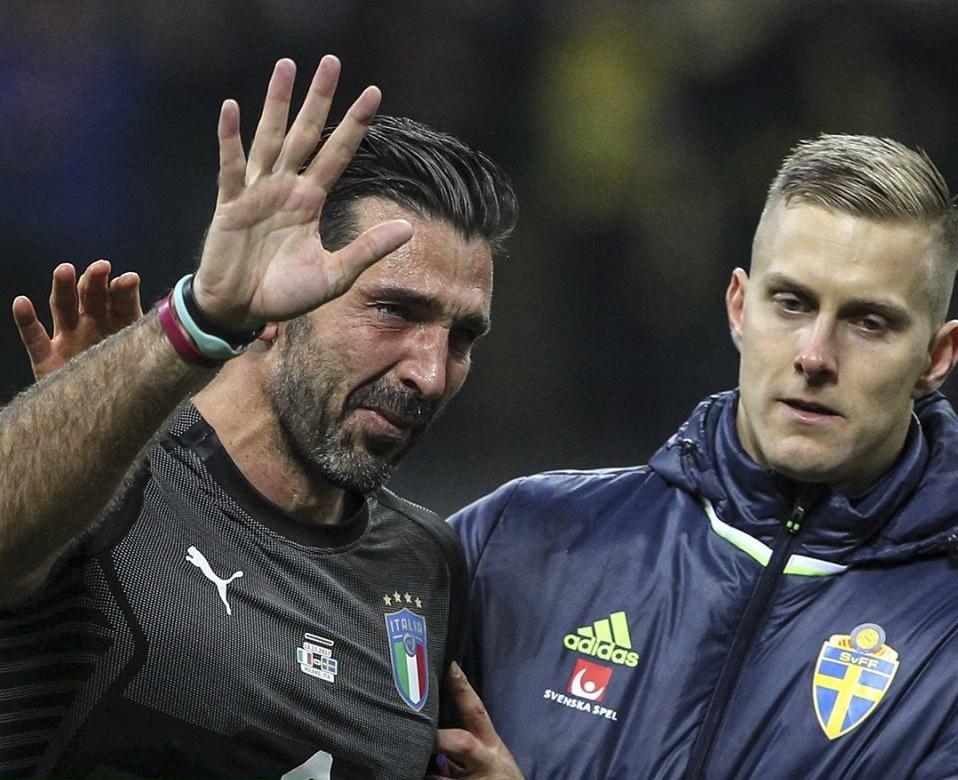 Even the best players suffer heartbreak on the pitch - Bóng Đá